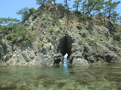 城山八穴の洞穴05