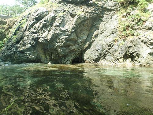 城山八穴の洞穴06